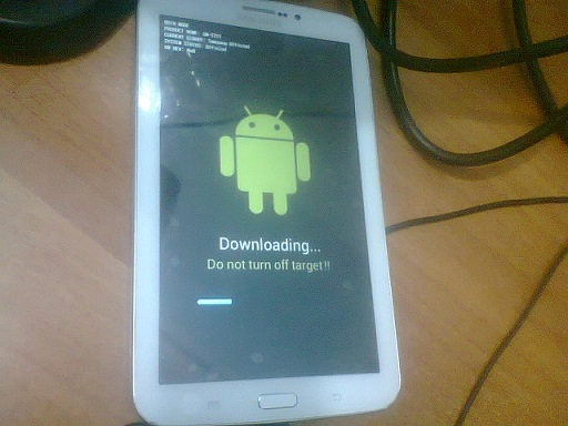 ����� ������ Galaxy Tab 3 SM-T211
